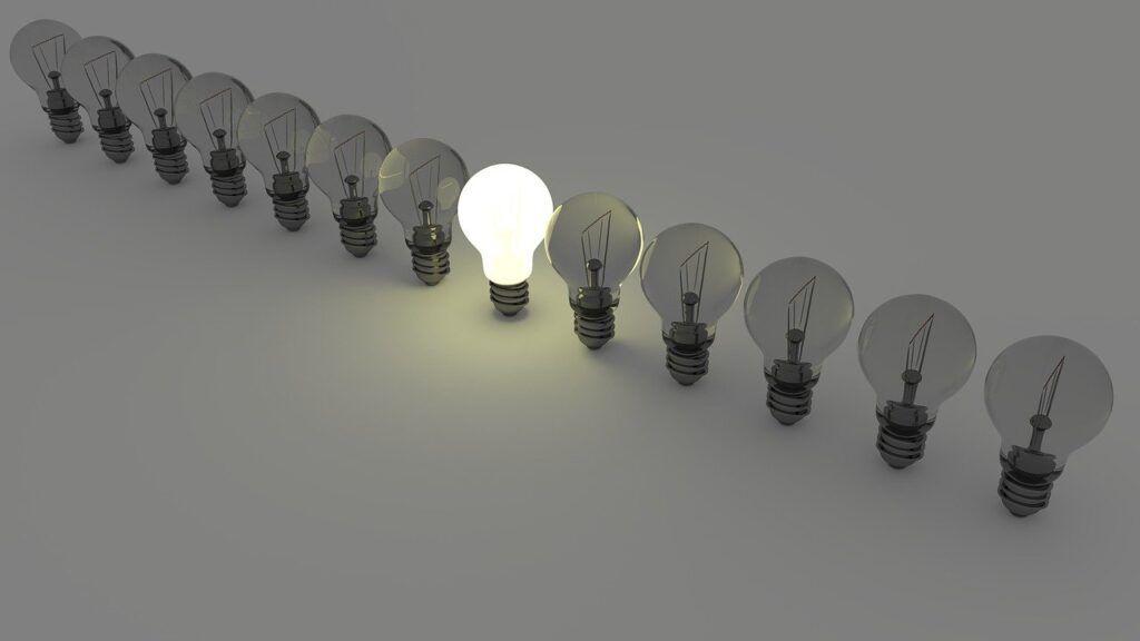 light-bulbs-1125016_1280